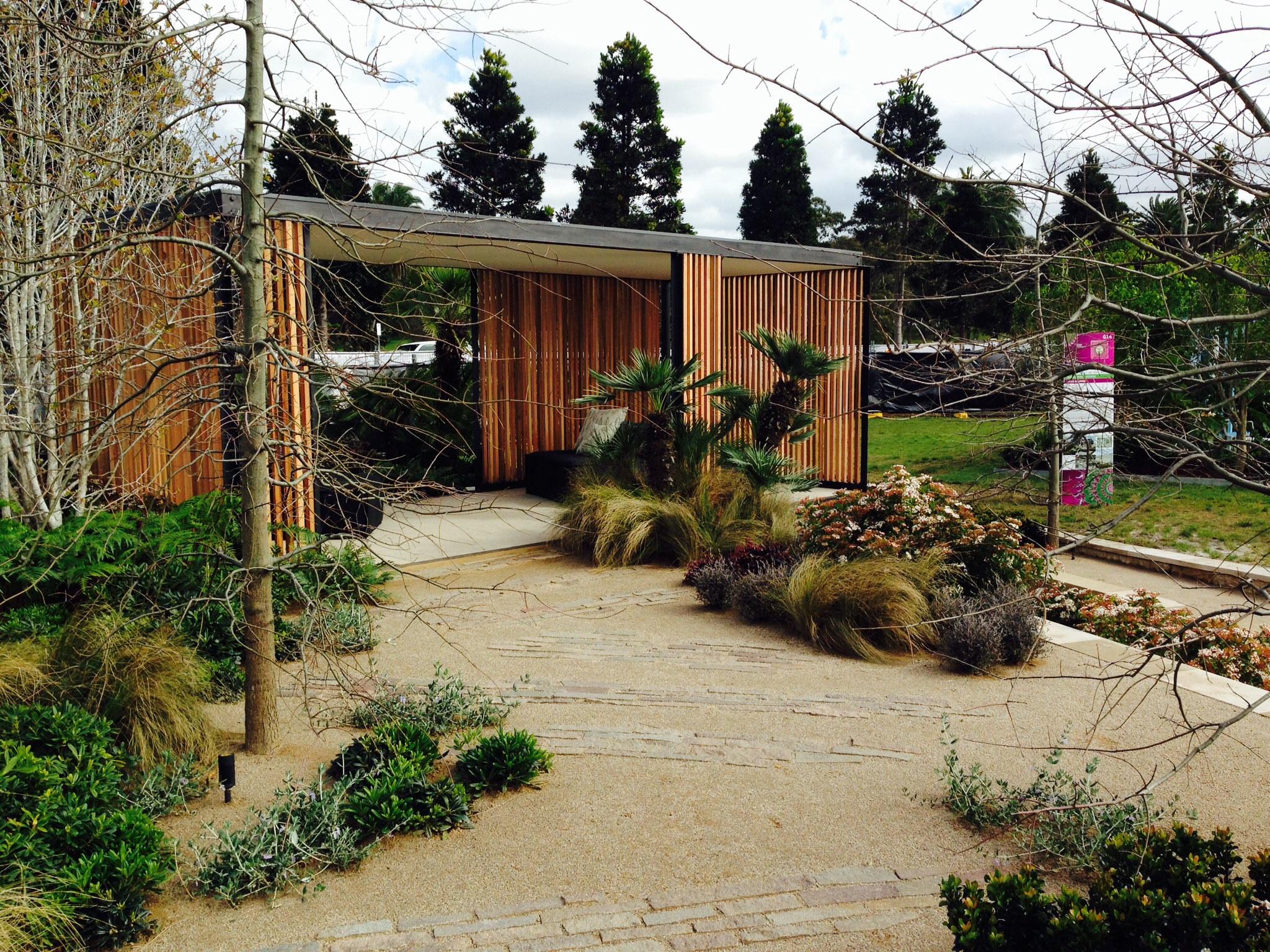 Nice Garden Design Courses London Frieze - Brown Nature Garden ...