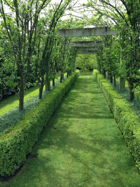 formality and precision at gravetye garden