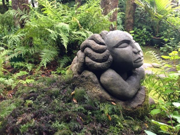 Maori sculpture at Te Kainga Marire