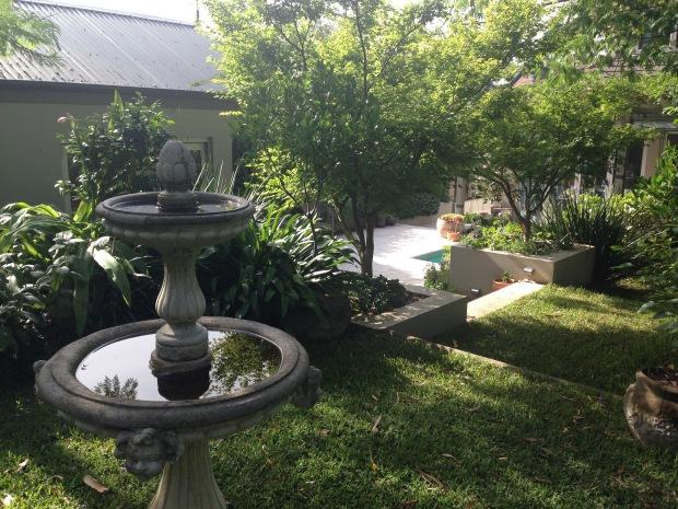 Bird bath at Janna Schreier's home garden