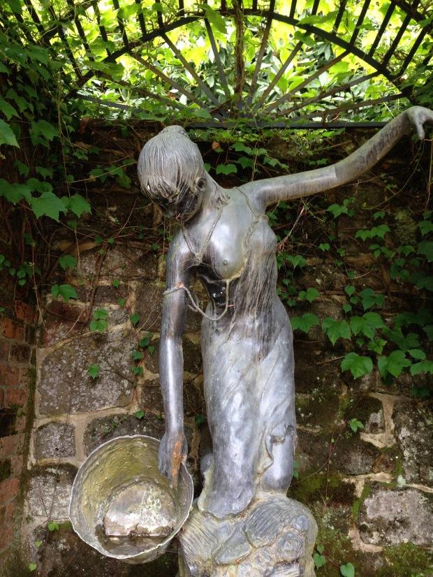 Statue at Cloudehill. Janna Schreier