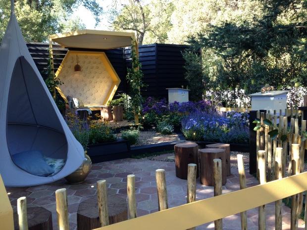'Bee Keepers Garden' by Jenny Smith Gardens. Janna Schreier