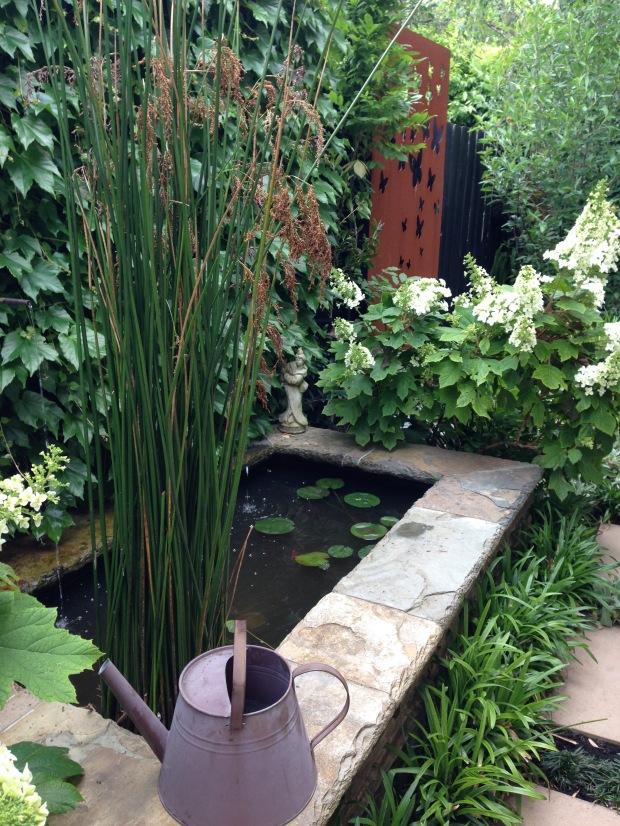Formal pond. Janna Schreier