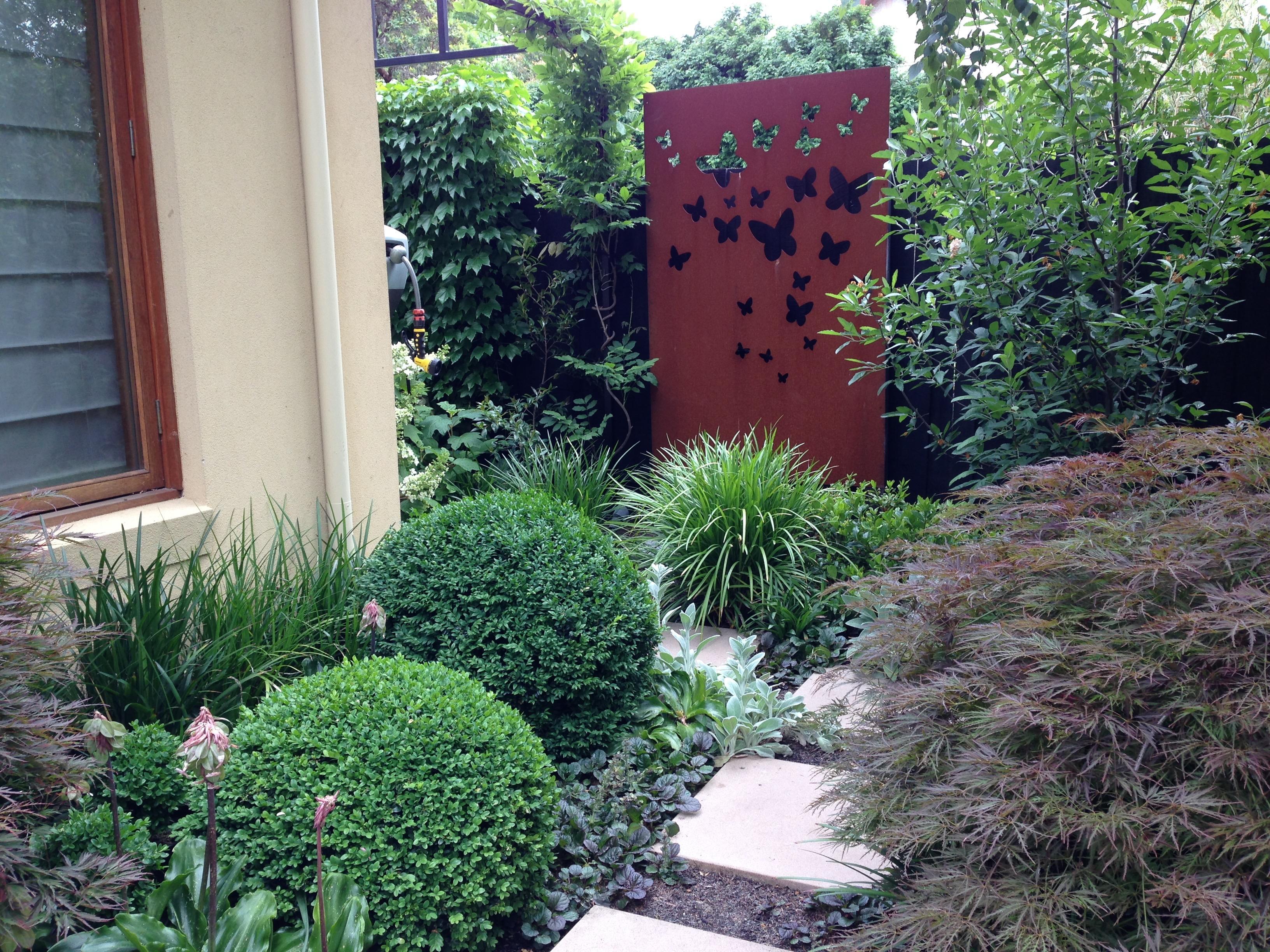 Garden Artwork In Melbourne. Janna Schreier