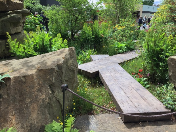 Heavy plank boardwalk at Dan Pearson's Chelsea garden