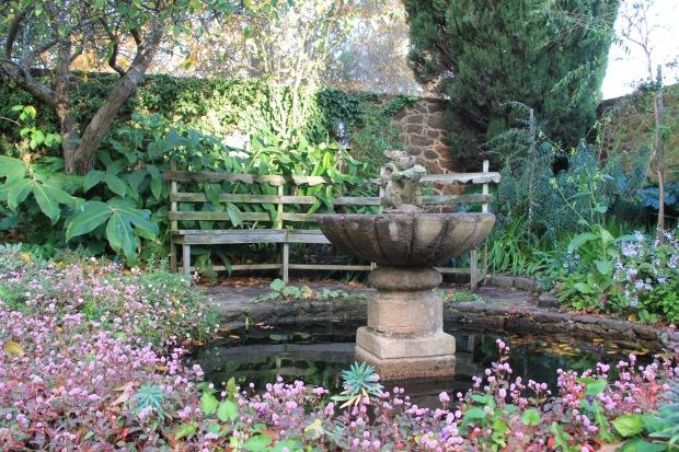 Pond at Cruden Farm with Dame Elisabeth Bust. Janna Schreier