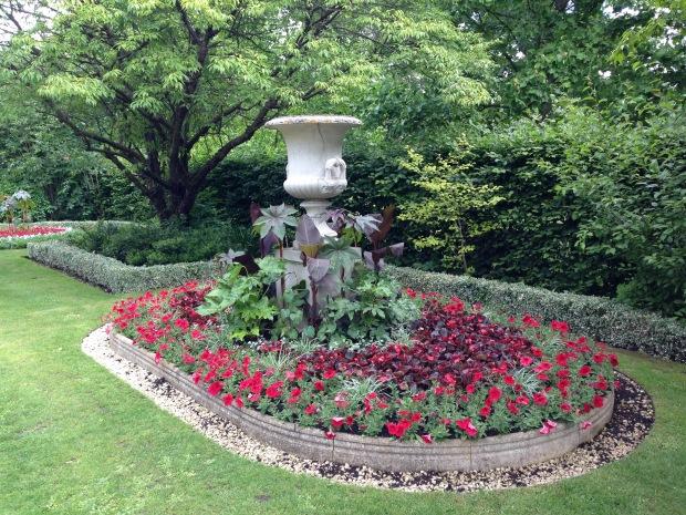 Avenue Garden, Regent's Park. Janna Schreier