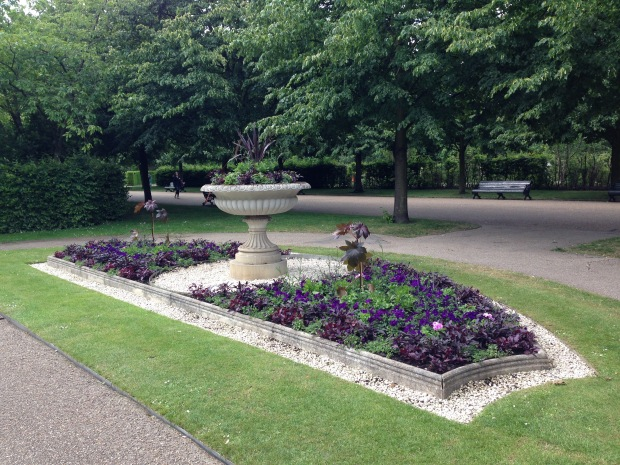 Bedding enhances the long avenues in Regent's Park. Janna Schreier