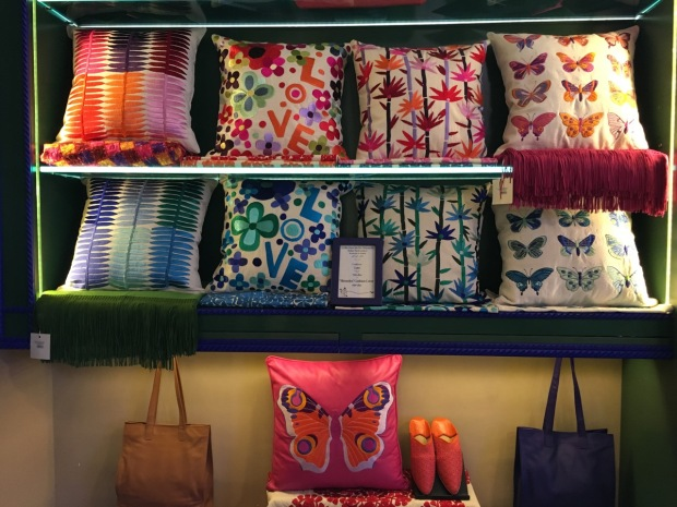 I had a bit of cushion envy in the Boutique Marjorelle. I can't believe Paul thinks we have enough cushions already. I mean really, isn't that impossible?
