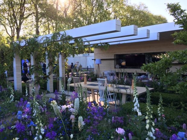 Hay Joung Hwang: The LG Smart Garden