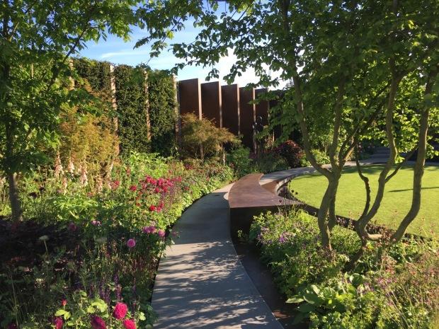 Jo Thompson: The Chelsea Barracks Garden