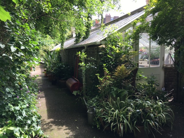 Edwardes Square garden