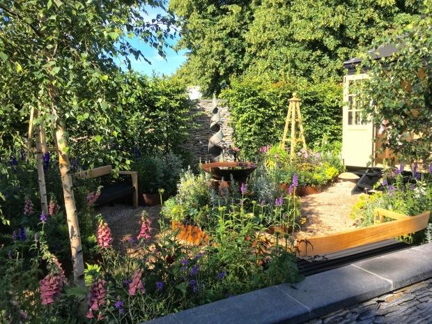 Hampton 2016: A Summer Retreat by Amanda Waring and Laura Arison