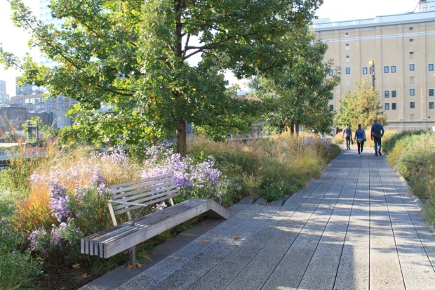 I could sit here all day on the High Line!