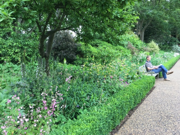 Herbaceous border at Cadogan Gardens South